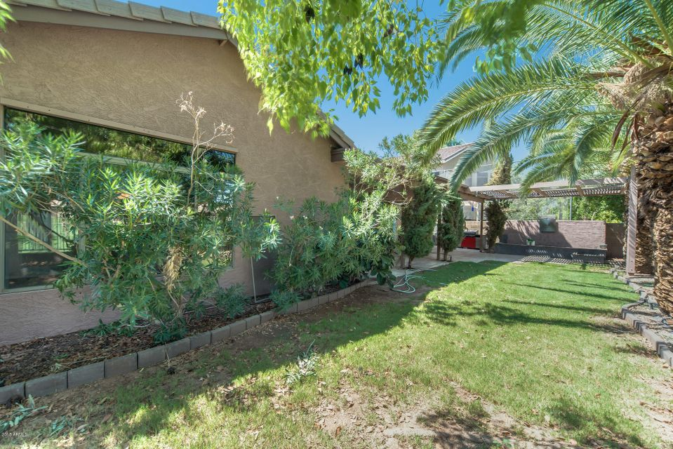 MLS 5806241 1069 S WESTERN SKIES Drive, Gilbert, AZ 85296 Gilbert AZ 3 or More Car Garage