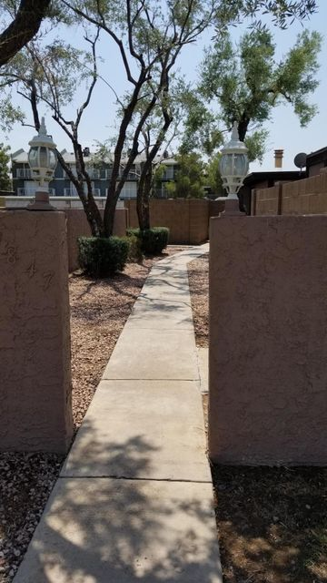 Photo of 1847 E KIRKLAND Lane #D, Tempe, AZ 85281
