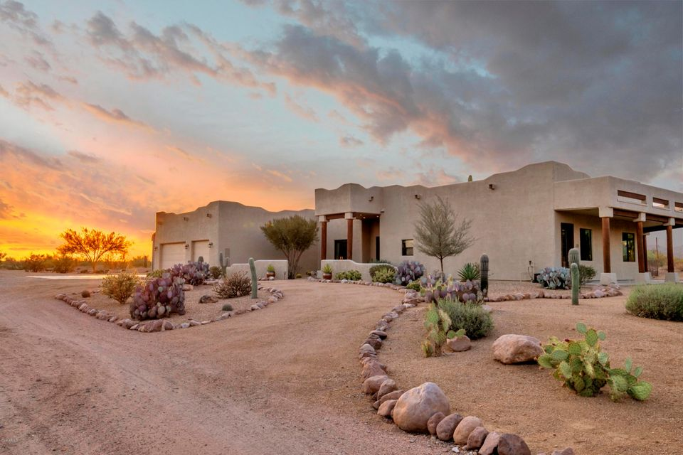 Photo of 280 N BOYD Road, Apache Junction, AZ 85119