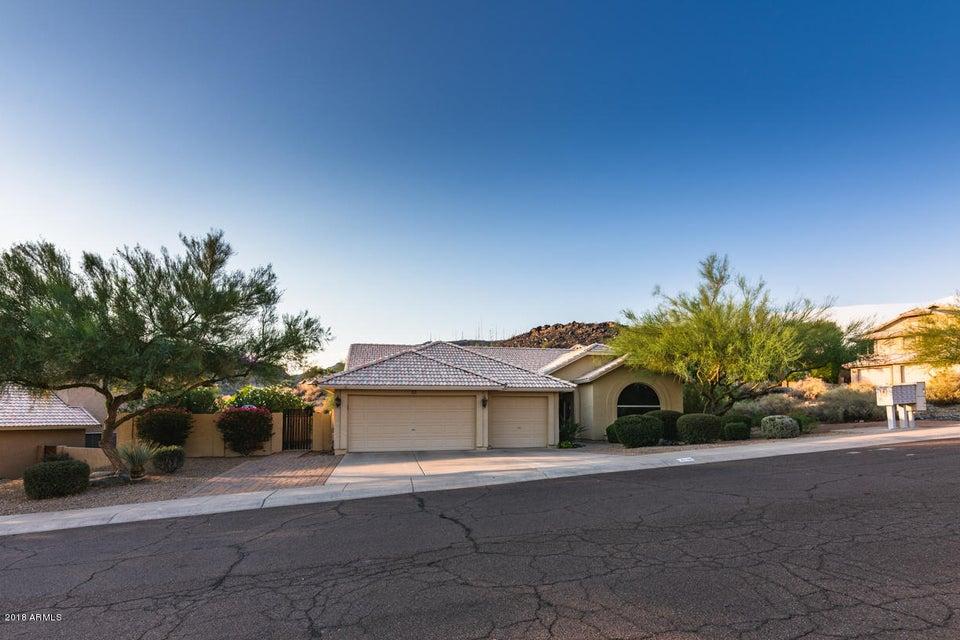 Photo of 946 E SOUTH FORK Drive, Phoenix, AZ 85048
