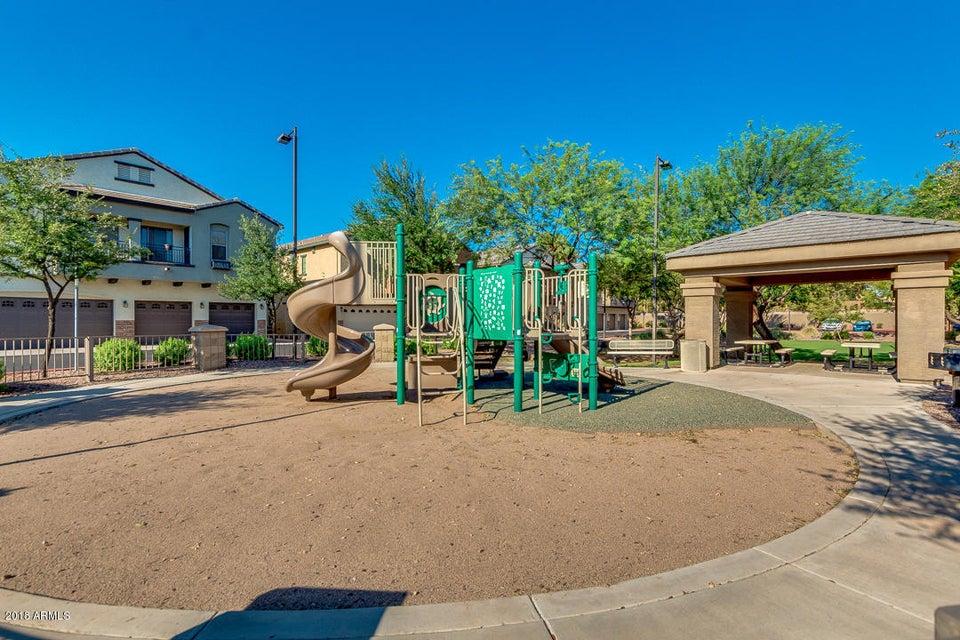 MLS 5807709 2727 N PRICE Road Unit 31, Chandler, AZ 85224 Chandler AZ Gated