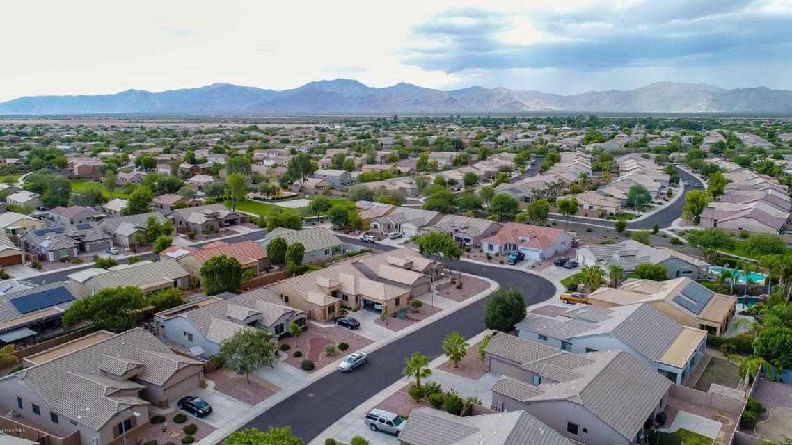 MLS 5807980 17464 W GELDING Drive, Surprise, AZ 85388 Surprise AZ Sierra Montana