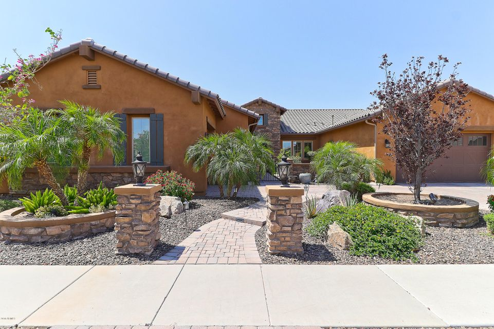 Photo of 7563 W CRYSTAL Road, Glendale, AZ 85308