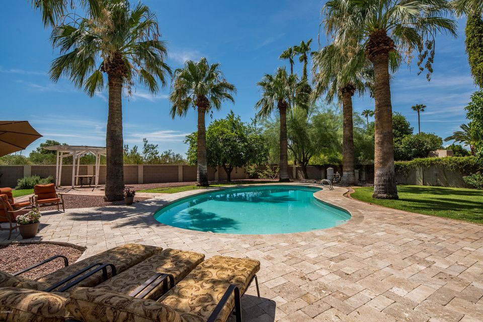 Photo of 10249 N 58TH Place, Paradise Valley, AZ 85253