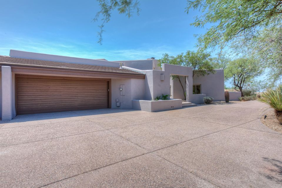 Photo of 10771 E TAMARISK Way, Scottsdale, AZ 85262