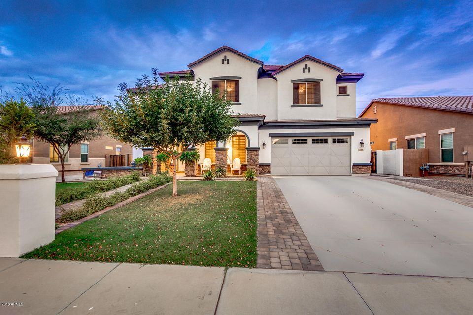 Photo of 6665 S BALBOA Drive, Gilbert, AZ 85298