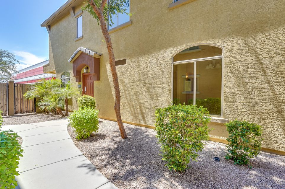 Photo of 17150 N 23RD Street #140, Phoenix, AZ 85022