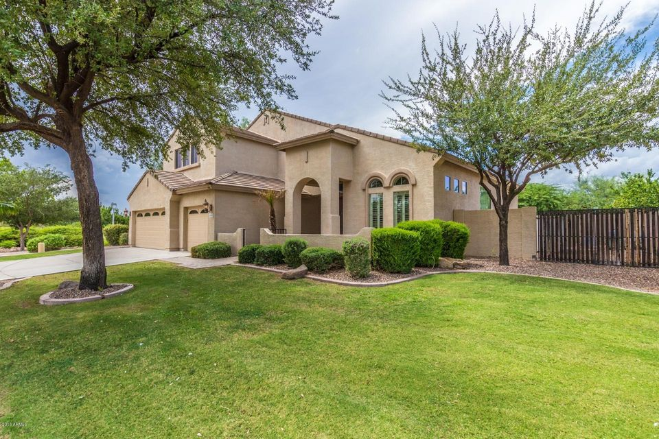 Photo of 6704 S WILSON Drive, Chandler, AZ 85249