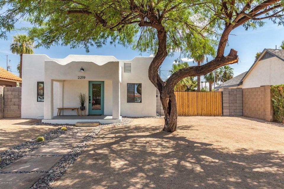 Photo of 2219 N 25TH Place, Phoenix, AZ 85008