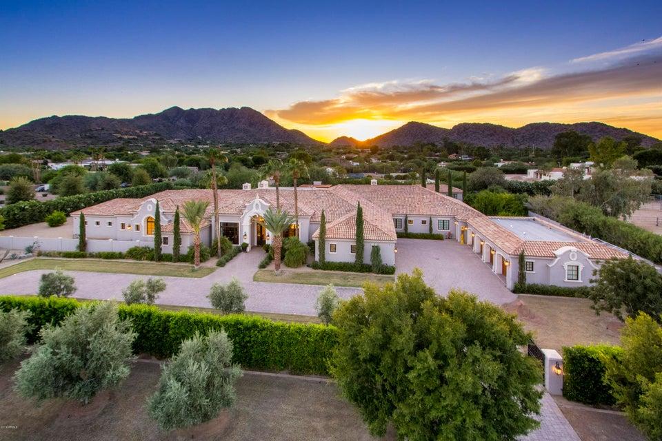 Photo of 8700 N 52ND Street S, Paradise Valley, AZ 85253