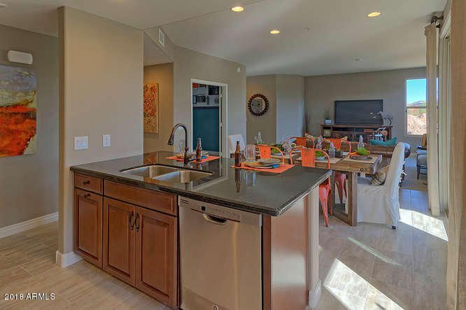 Photo of 2425 W BRONCO BUTTE Trail W #1017, Phoenix, AZ 85085