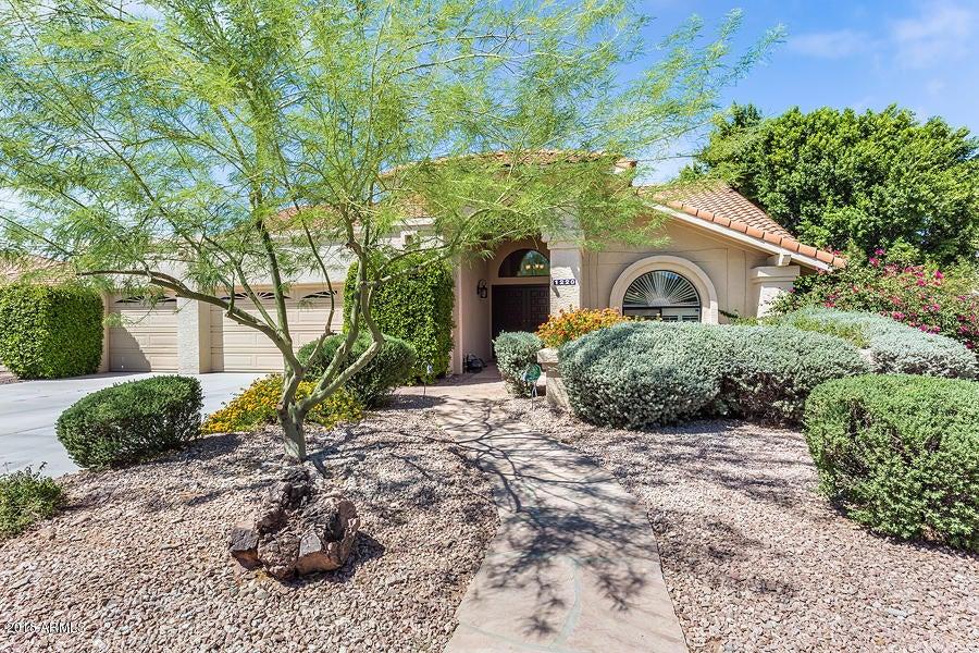 Photo of 1220 E LE MARCHE Avenue, Phoenix, AZ 85022