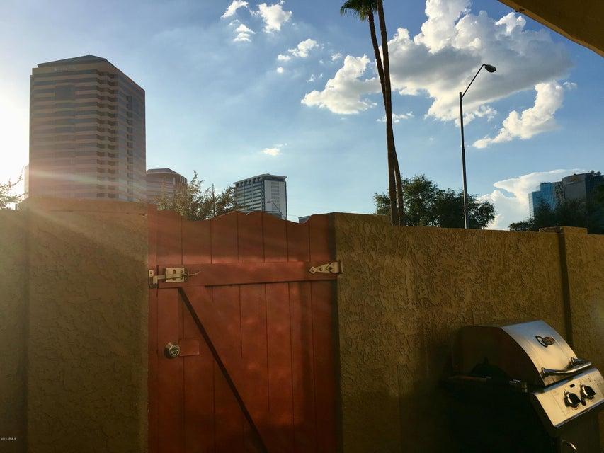 Photo of 355 E THOMAS Road #B102, Phoenix, AZ 85012