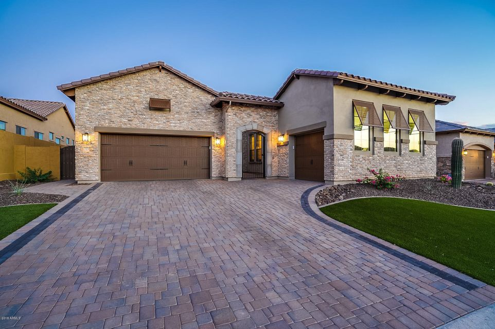 Photo of 2303 N ESTATES Circle, Mesa, AZ 85207