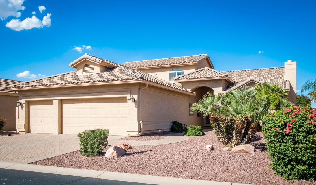 Photo of 10126 E CHAMPAGNE Drive, Sun Lakes, AZ 85248
