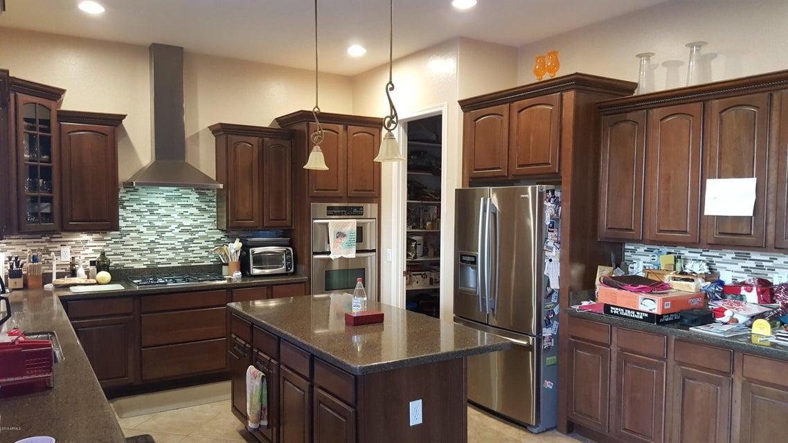 MLS 5818038 6186 S CLAIBORNE Avenue, Gilbert, AZ 85298 Gilbert AZ Shamrock Estates