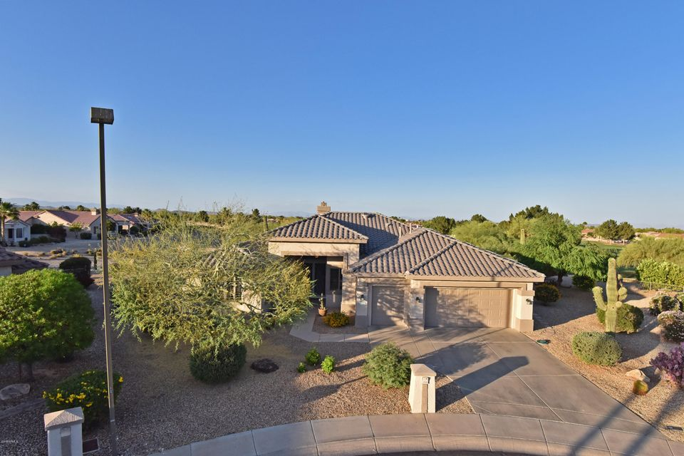 Photo of 17946 N CATALINA Court, Surprise, AZ 85374
