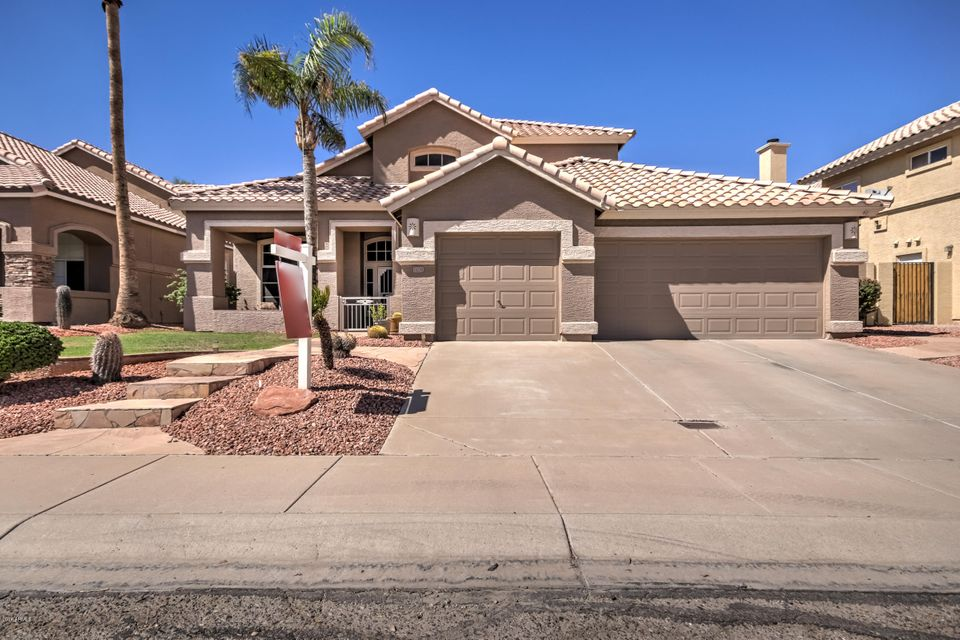 Photo of 1702 E SALTSAGE Drive, Phoenix, AZ 85048