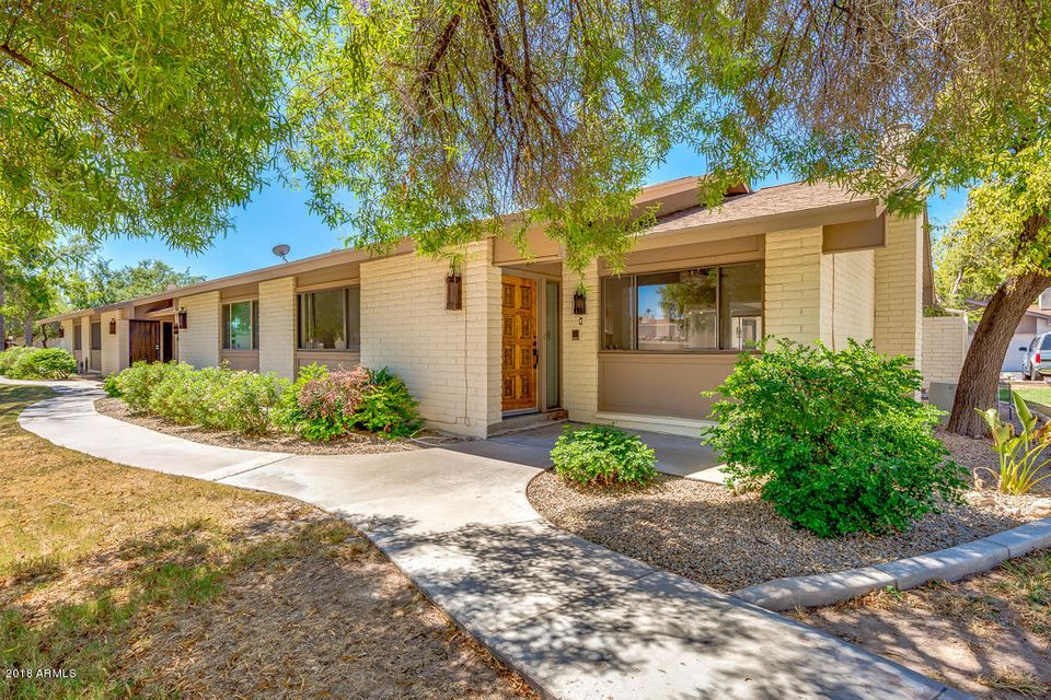 Photo of 1550 N STAPLEY Drive #4, Mesa, AZ 85203