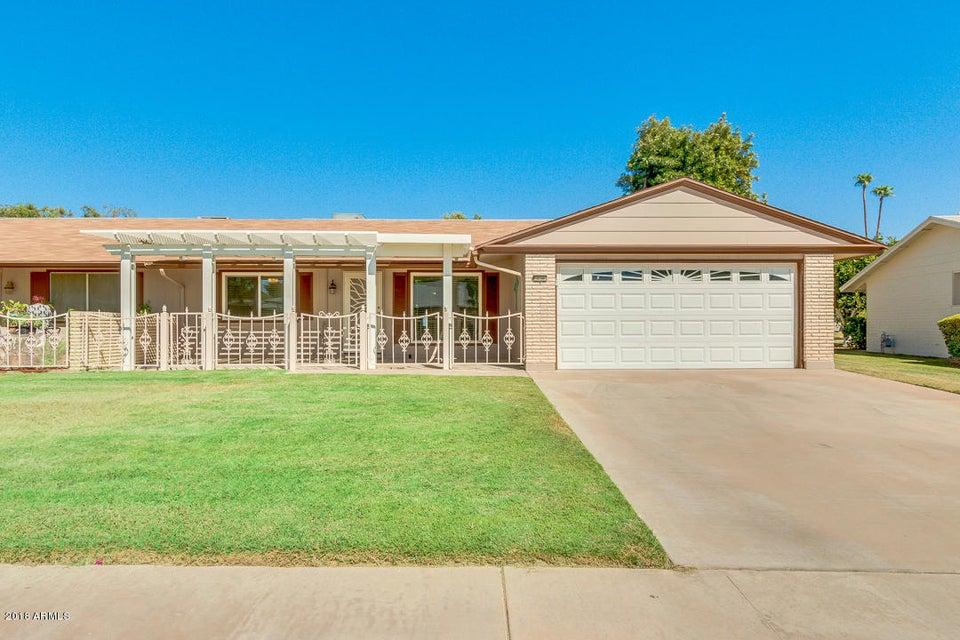 Photo of 10106 W CANDLEWOOD Drive, Sun City, AZ 85351