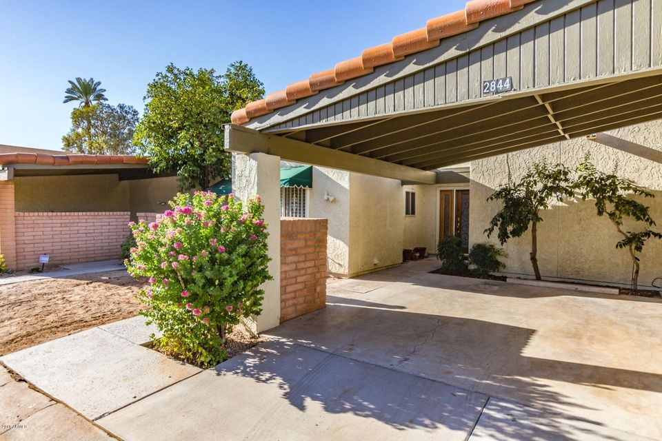 Photo of 2844 E AVENIDA OLIVOS --, Phoenix, AZ 85016
