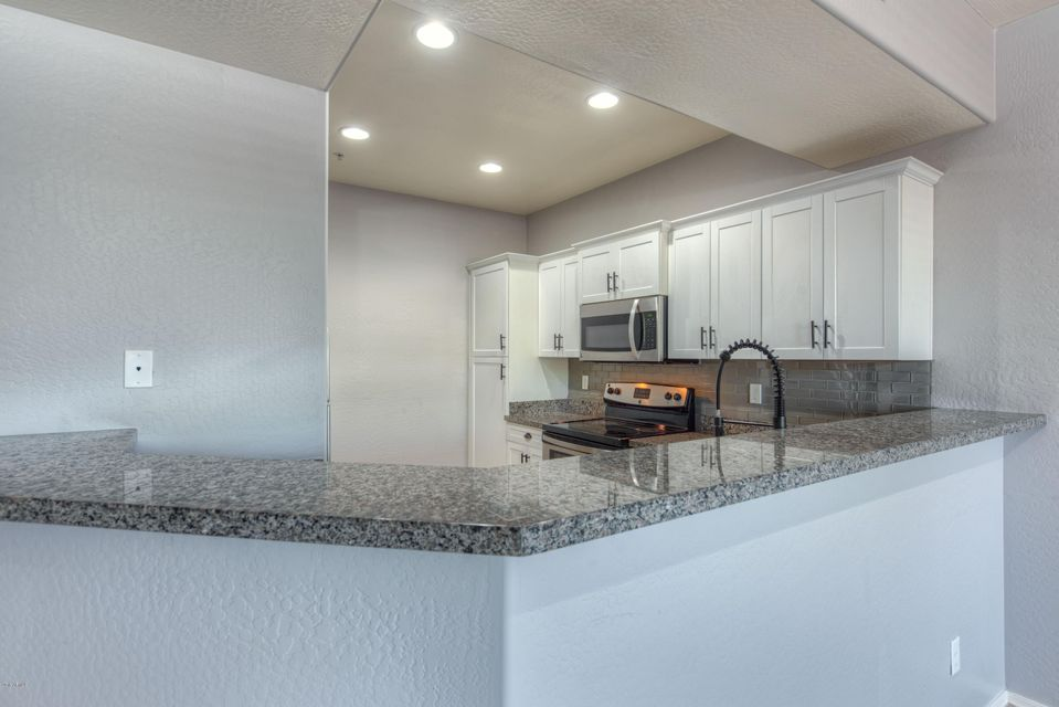 MLS 5820750 21655 N 36TH Avenue Unit 106, Glendale, AZ Glendale AZ Gated