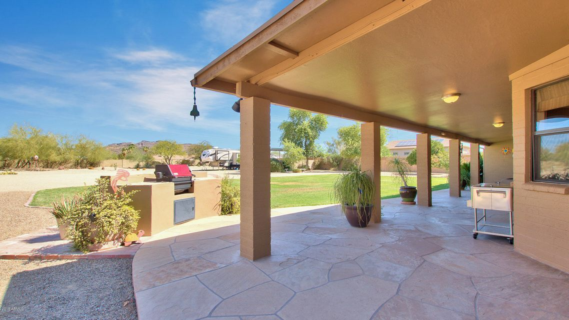 Photo of 5032 W SAGUARO PARK Lane, Glendale, AZ 85310