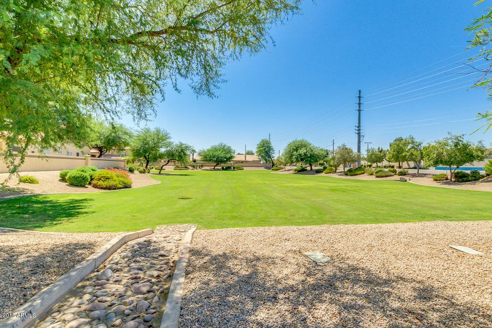 MLS 5823027 304 N BAY Drive, Gilbert, AZ Gilbert AZ North Shore