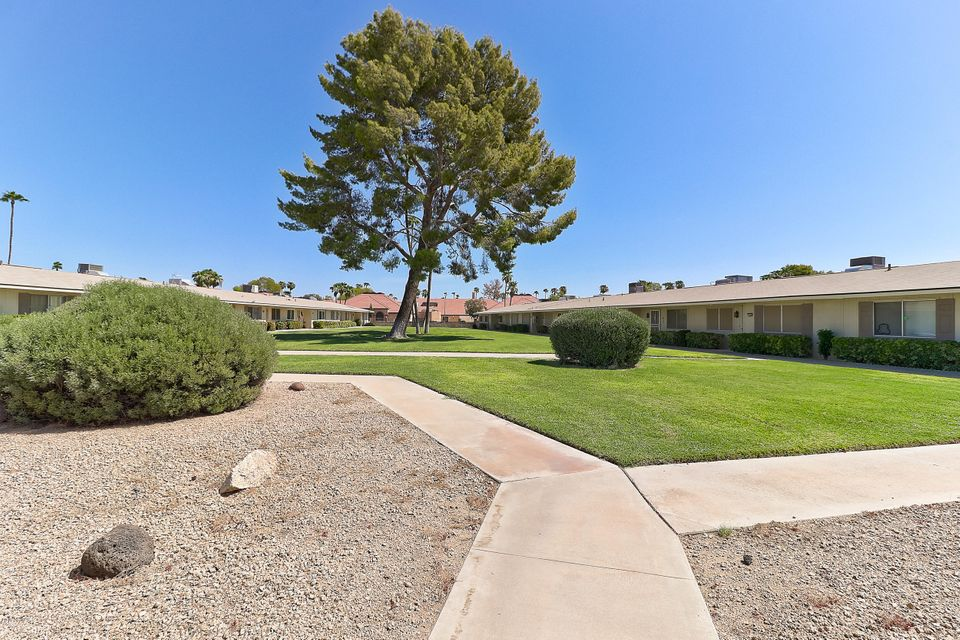Photo of 13638 N SILVERBELL Drive, Sun City, AZ 85351