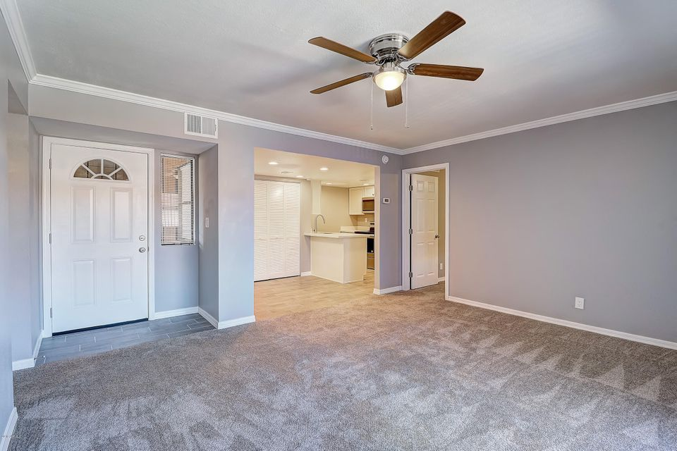 Photo of 1730 W Emelita Avenue #2044, Mesa, AZ 85202