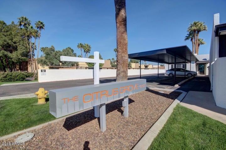 Photo of 1250 E BETHANY HOME Road #27, Phoenix, AZ 85014