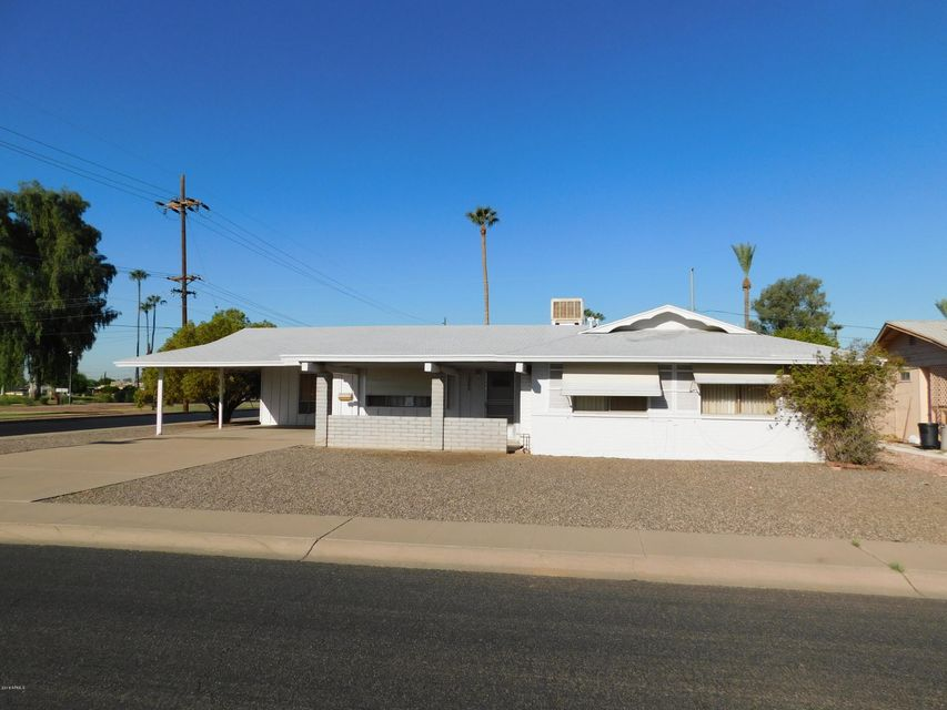 Photo of 12202 N THUNDERBIRD Road, Sun City, AZ 85351