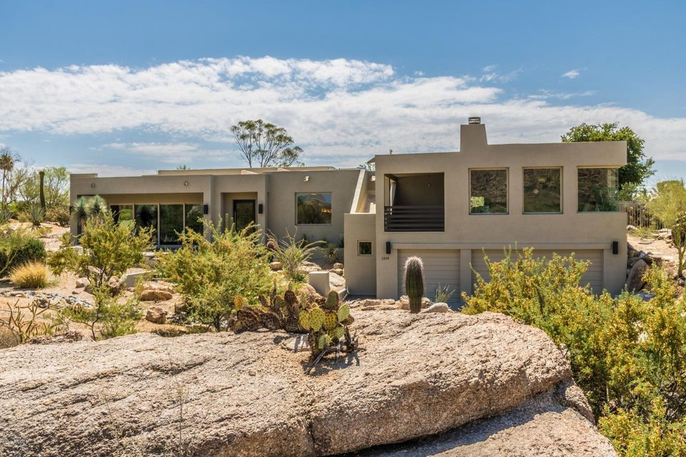 Photo of 1310 E COYOTE Pass, Carefree, AZ 85377