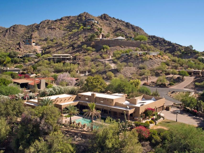 Photo of 7500 N BLACK ROCK Trail, Paradise Valley, AZ 85253