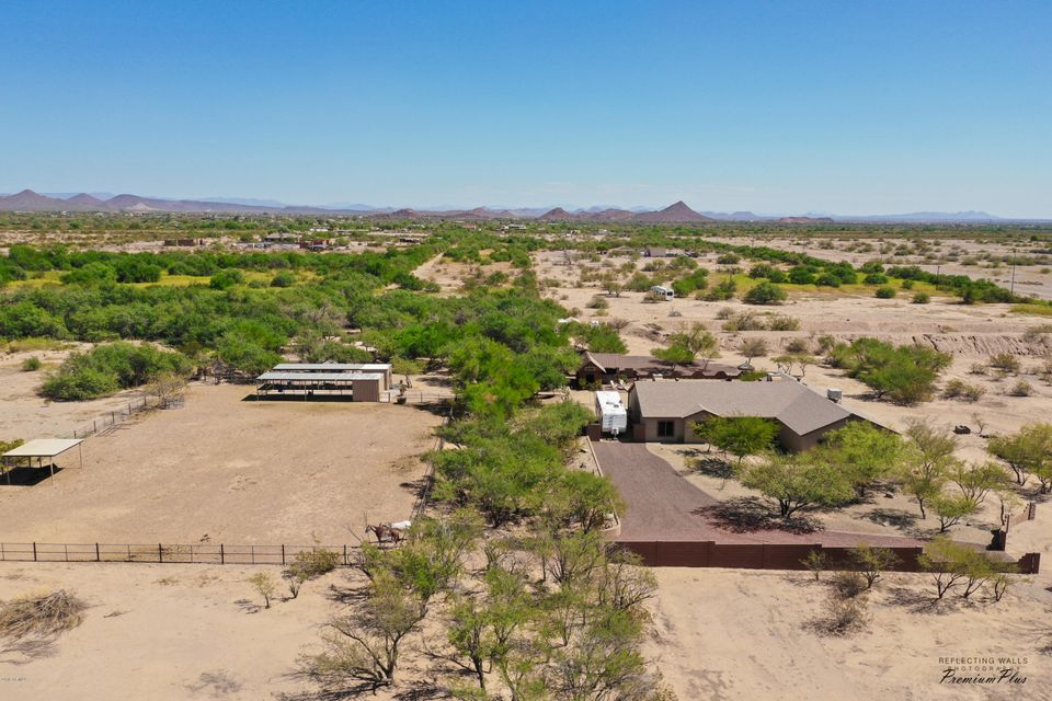 MLS 5827362 17550 W DYNAMITE Boulevard, Surprise, AZ Surprise Horse Property for Sale