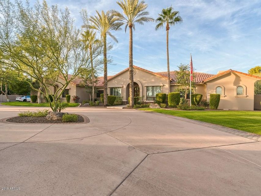 Photo of 6814 E INDIAN BEND Road, Paradise Valley, AZ 85253