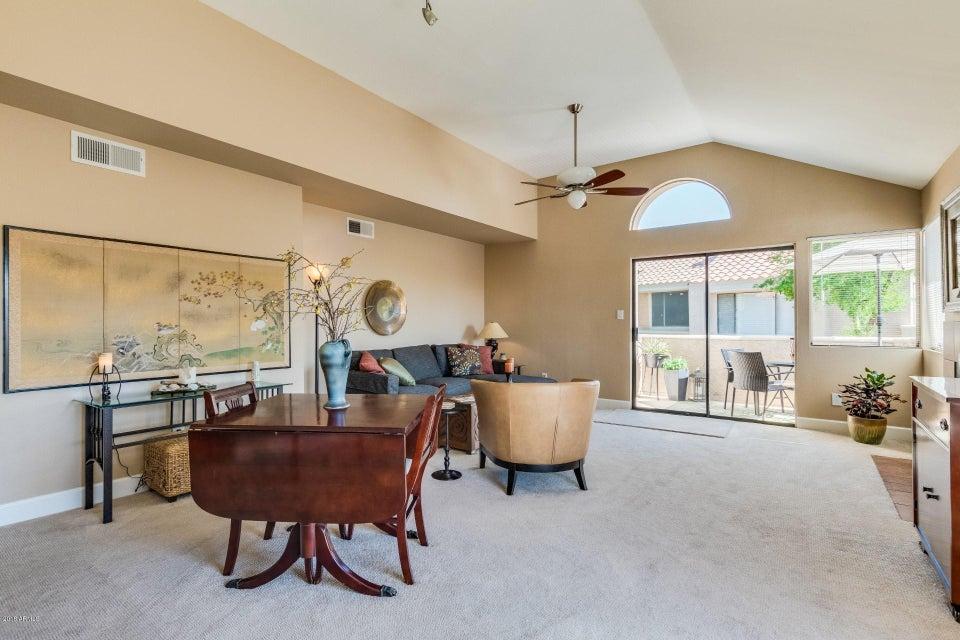 Photo of 10115 E MOUNTAIN VIEW Road #2086, Scottsdale, AZ 85258