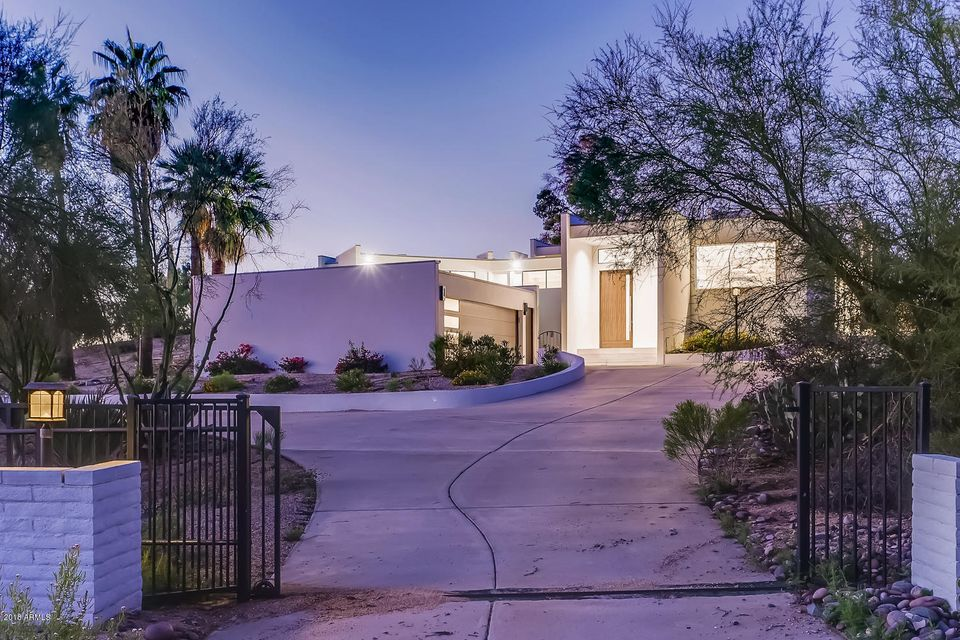Photo of 8402 E CAREFREE Drive, Carefree, AZ 85377