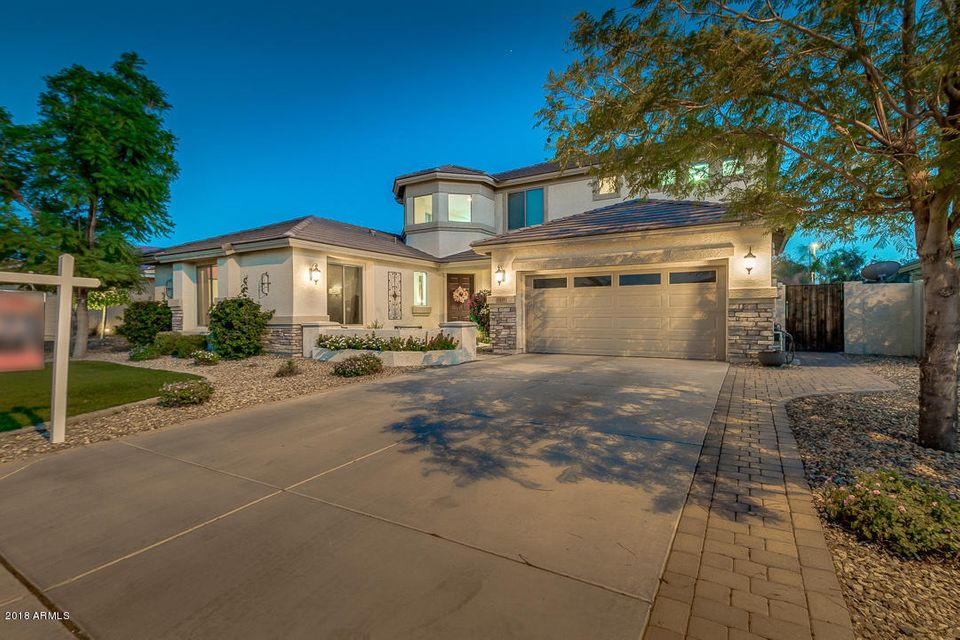 Photo of 3439 E FANDANGO Drive, Gilbert, AZ 85298