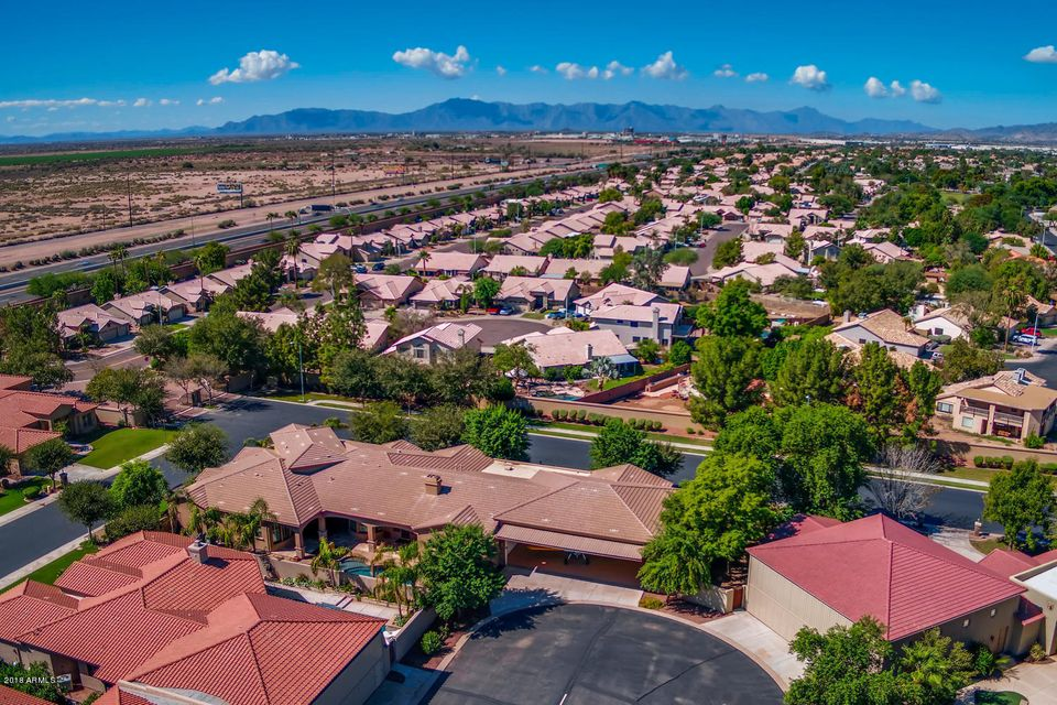 MLS 5830506 825 S STELLAR Parkway, Chandler, AZ Homes w/Pools