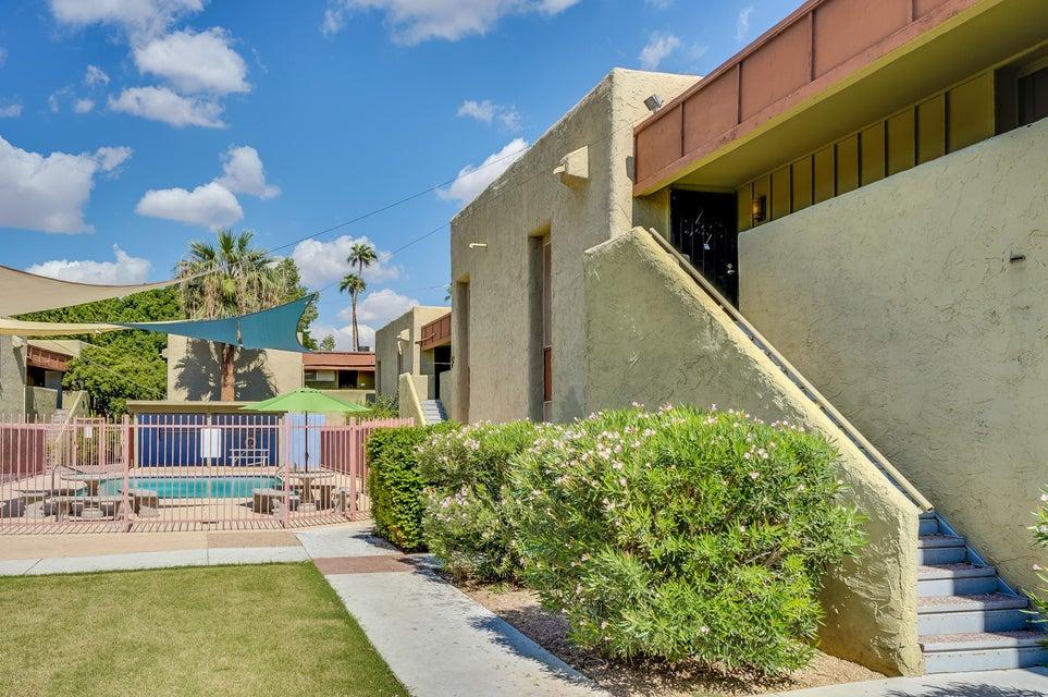 Photo of 1701 W TUCKEY Lane #225, Phoenix, AZ 85015