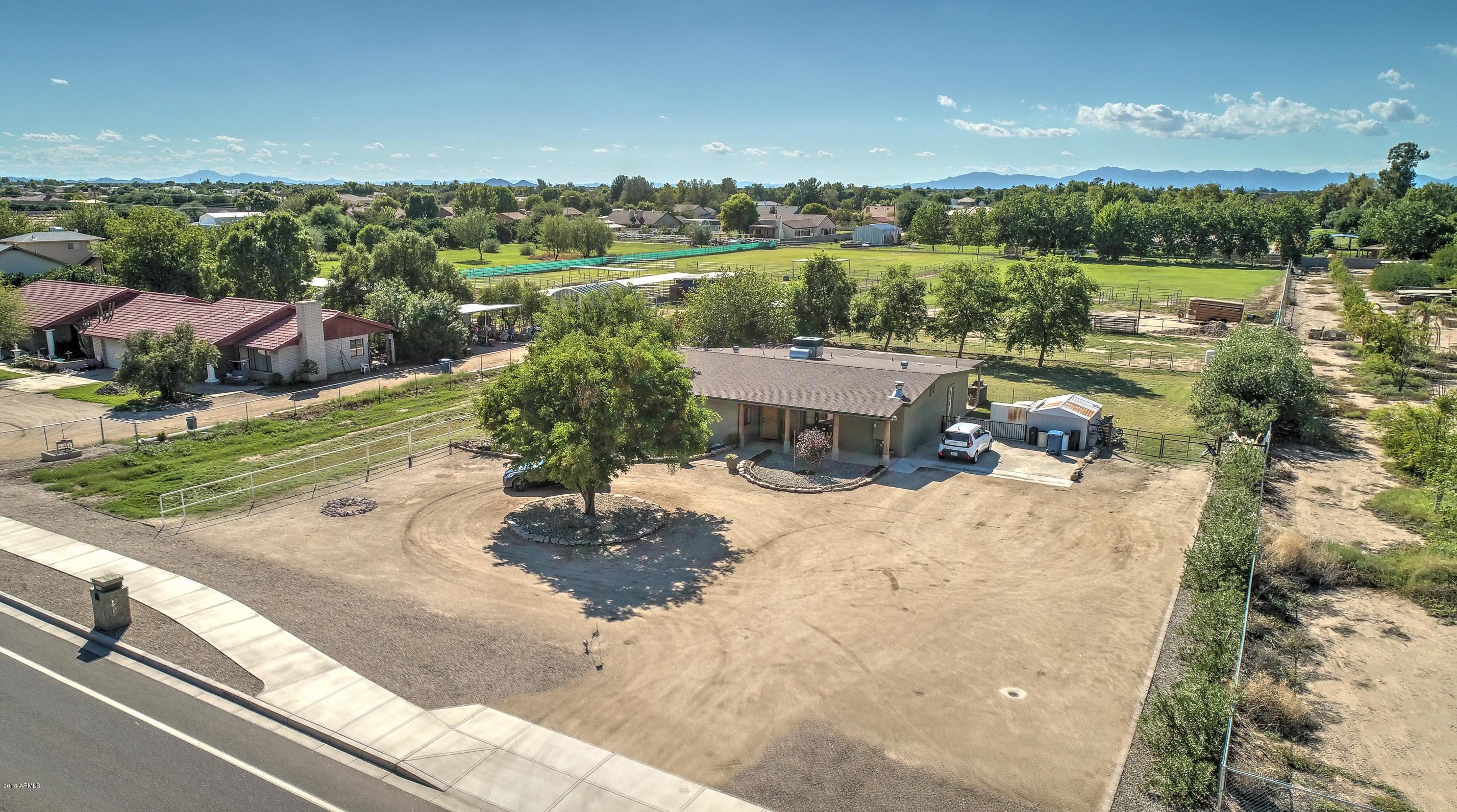 MLS 5833518 21628 S GREENFIELD Road, Gilbert, AZ 85298 Gilbert AZ Equestrian