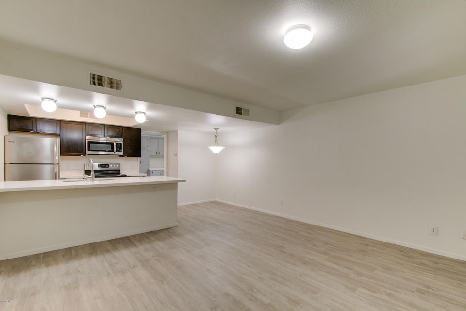 Photo of 8841 N 8TH Street #208, Phoenix, AZ 85020