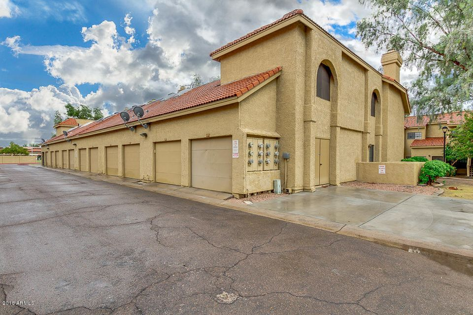 MLS 5833721 1126 W ELLIOT Road Unit 1074, Chandler, AZ 85224 Chandler AZ Townhome