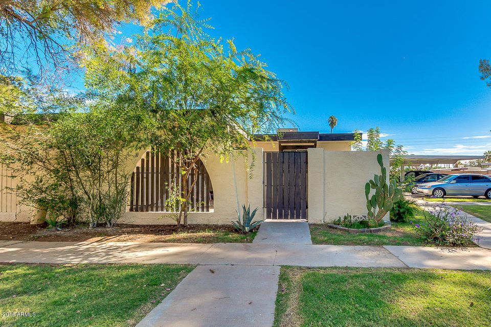 Photo of 720 S DOBSON Road #11, Mesa, AZ 85202