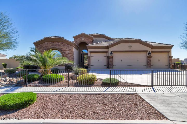 Photo of 8373 W MISSOURI Avenue, Glendale, AZ 85305