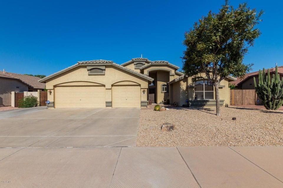Photo of 2402 E KEMPTON Road, Chandler, AZ 85225