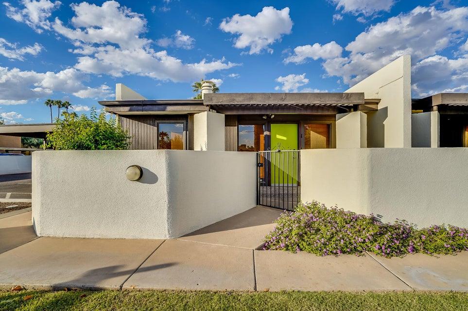 Photo of 1250 E BETHANY HOME Road #1, Phoenix, AZ 85014