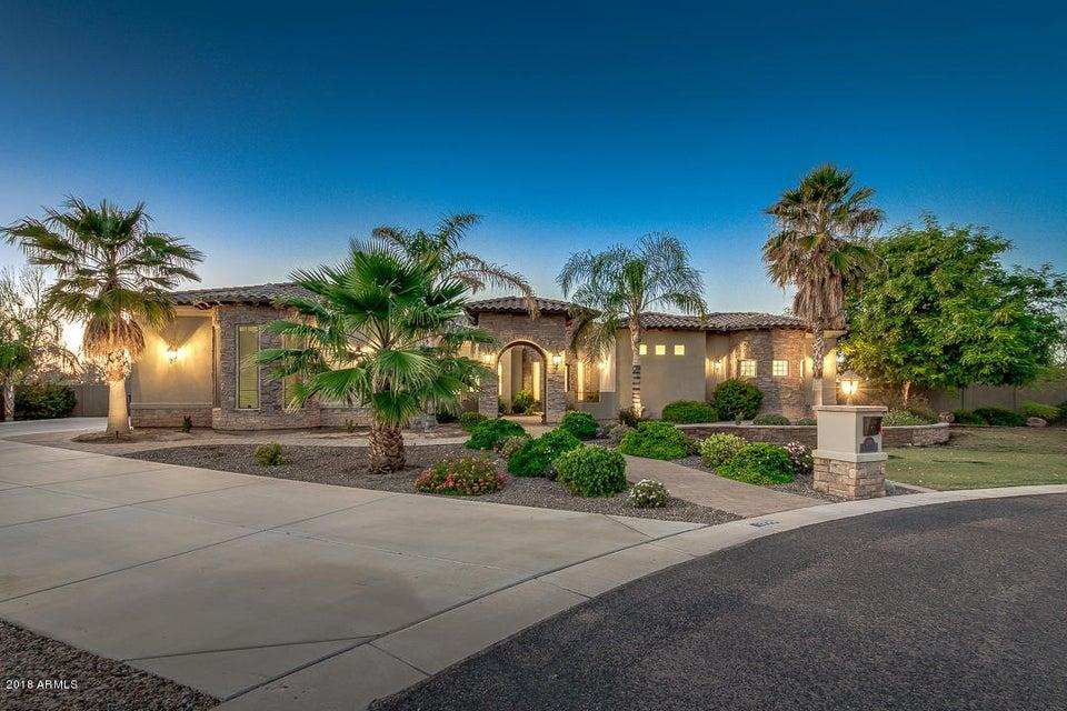 Photo of 2776 E MEADOWVIEW Court, Gilbert, AZ 85298