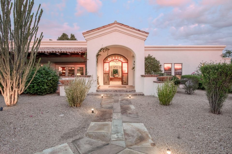 Photo of 9819 N 61ST Place, Paradise Valley, AZ 85253